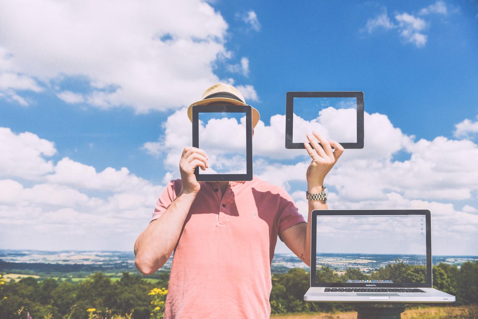 nature-laptop-outside-macbook (Large).jpg